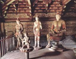 31 – El pato laqueado, La historia de este plato se remonta a la Dinastía Yuan (1206 - 1368). Ya a comienzos del siglo XV era uno de los platos preferidos de la familia imperial Ming.