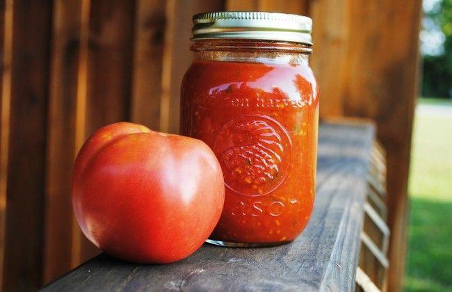 Zo maak je snelle tomatensaus met een rasp
