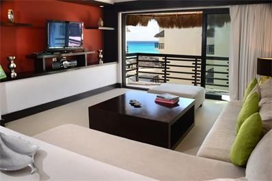 LUXURY PENTHOUSE IN ALDEA THAI This amazing and cozy 3-bedroom penthouse is professionally furnished and decorated with all of the amenities of a home, complete with stunning ocean views. This property provides direct ocean views from the living room and master suite, keyless entry, SAT TV and a huge private roof top with plunge pool overlooking the turquoise water of the Caribbean sea. USD 575,000