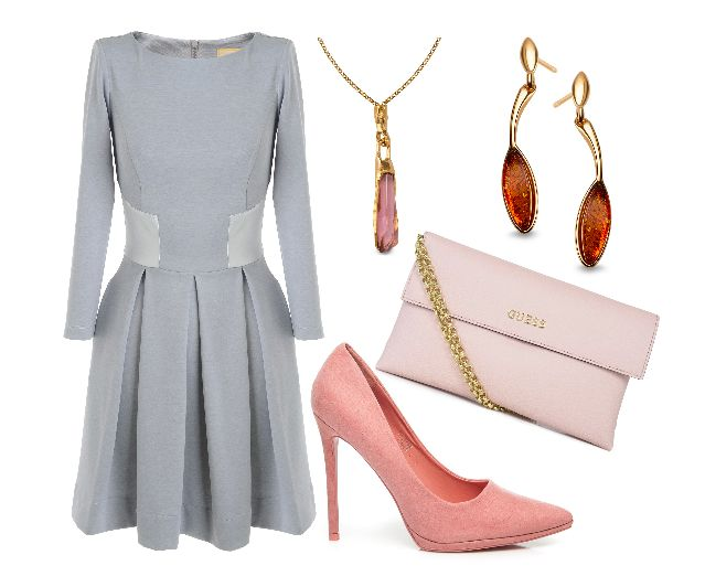 Sukienka podkreslająca talię, do tego kolorystycznie pasujace szpilki w kolorze bladego rozu