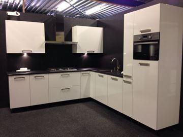 Keuken LB2, Lucida Bianco glans wit, 270x300 cm. en supercompleet uit voorraad