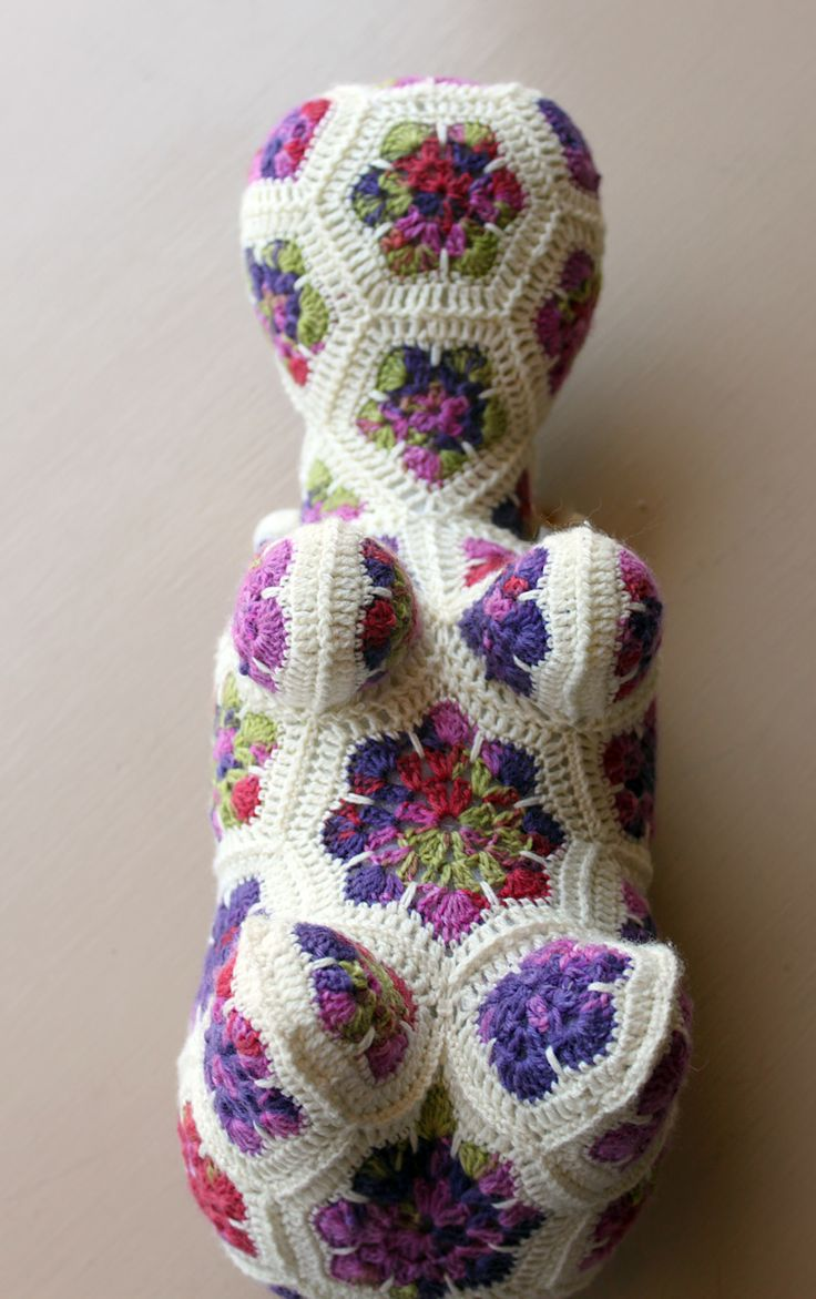 Yarn Tails: Hannah Hippo African flower animals Pinterest