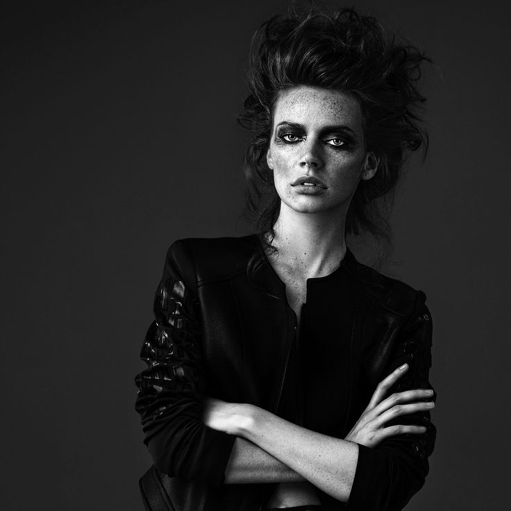 #darkbeauty #blackandwhite #fashion #woman @emrebozboga #wild #wildgirl