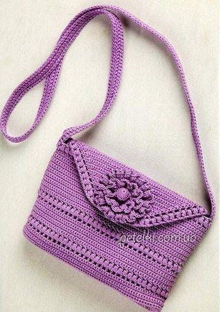 Замечательная сумочка, связmorанная крючком всего из одного мотка ниток.