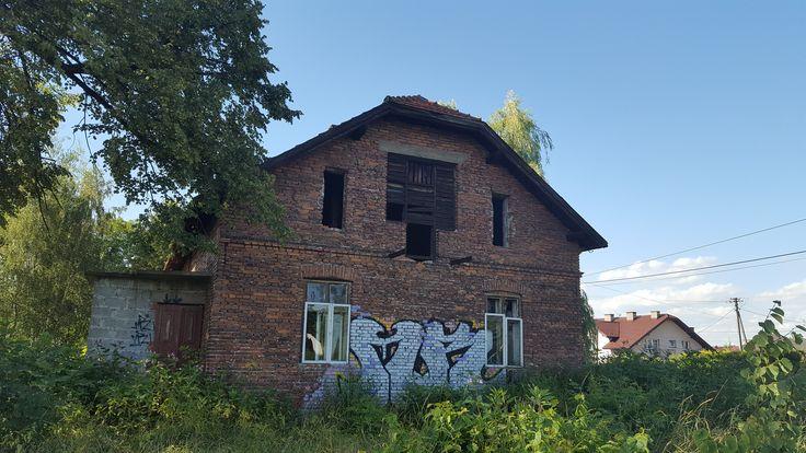 Nowy Sącz - skrywa wiele opuszczonych budynków :) A my weszliśmy do jednego z nich, gdzie wejście było dość skąplikowane :P