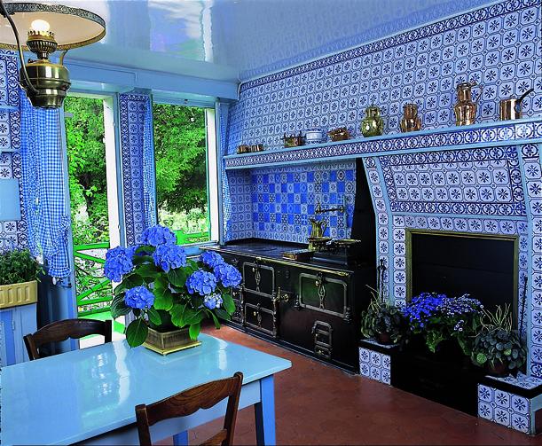 Monet claude cuisine de la maison de claude monet for La cuisine x le creuset