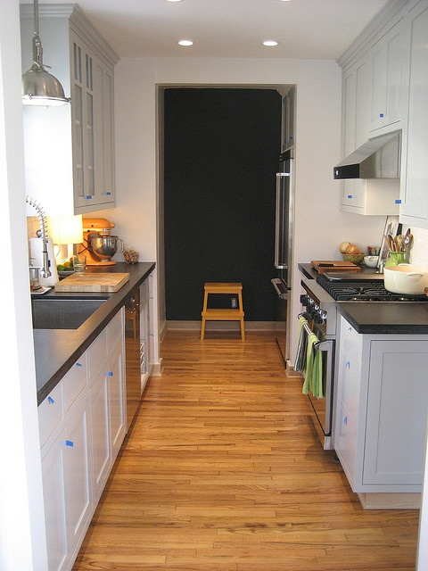 17 Best Images About Kitchen On Pinterest Open Shelving Stove And Galley Kitchen Design