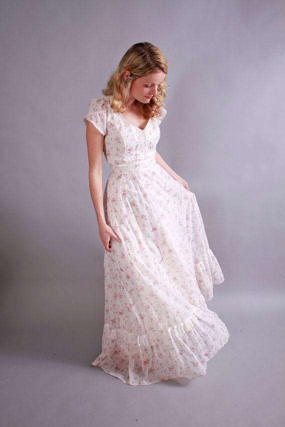 1970s gunne sax dress. 70s pink and white floral maxi dress with corset bodice. June Garden