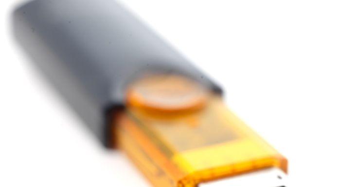 Cómo guardar imágenes en una memoria USB. Las memorias USB son herramientas prácticas para transportar datos desde una computadora a otra. Junto con una amplia gama de archivos, estas unidades son capaces de almacenar imágenes. Las imágenes se pueden guardar en las tarjetas de memoria para su almacenamiento, transferencia o uso en otros aparatos, como en marcos de fotos digitales. Guardar ...