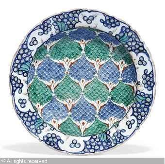 IZNIK CERAMIC, 16 > (Turkey) Title : DISH Date : ca 1590 DISH sold by Christie's, London, on Thursday, October 06, 2011
