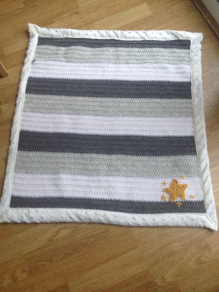 Neutral baby blanket