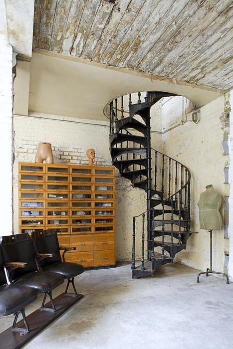 Always loved spiral staircases