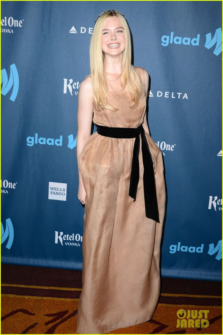 elle fanning awared photos | Elle Fanning - GLAAD Media Awards 2013 Red Carpet | Elle Fanning ...