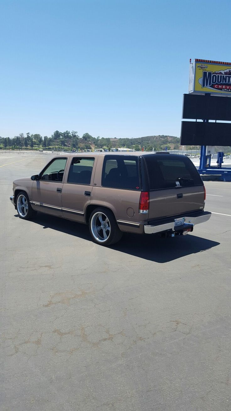 Parting out 1994 gmc sierra and 1996 chevy 1500 trucks - Chevrolet Chevy Trucks