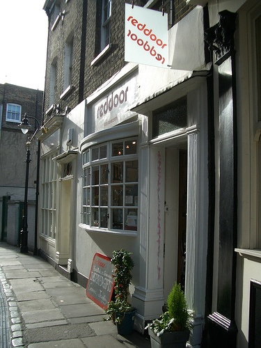 Red Door cafe on Turnpin Lane at Greenwich Market will donate £1 from every coffee sold and a slice of cake too!