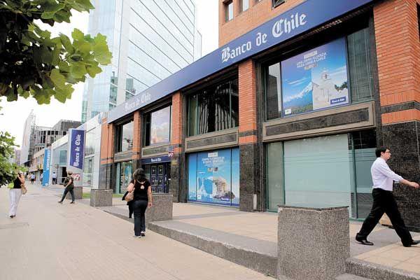 Banco de Chile asegura en el TC que la Dirección del Trabajo falta a la verdad por servicios mínimos - Diario Financiero
