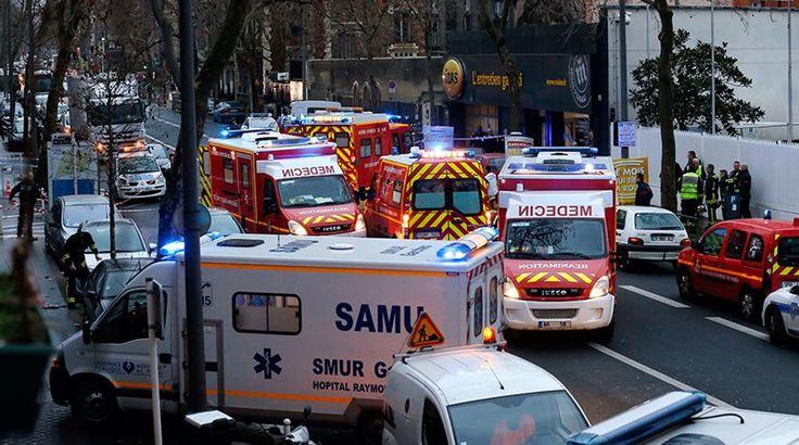 Στη γαλλική πρωτεύουσα κατευθύνεται το γκρι Renault Clio με τους βαριά οπλισμένους δράστες – Πανικός επικράτησε νωρίτερα στην επιχειρηματική συνοικία La Defence