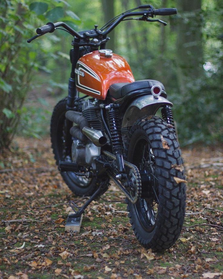 "3,345 Likes, 8 Comments - Los Perdidos (@losperdidos_) on Instagram: ""Honda CM250 Scrambler by @max_inhulsen (2/3) Tag your friends! - - - Follow @_travelersmx for…"""