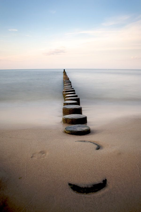 a.m.a.z.i.n.g. I want to go and photograph this in the Baltic Sea!
