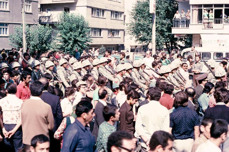 30 Ağustos 1974; Ankara'da Halkımızın Bağrına Bastığı Gaziler Bölüğü 130