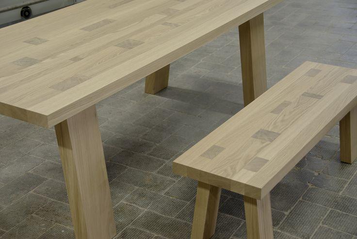 Tavolo e panca artigianali  in legno massello di rovere mod. Tetrix. oak solid table.
