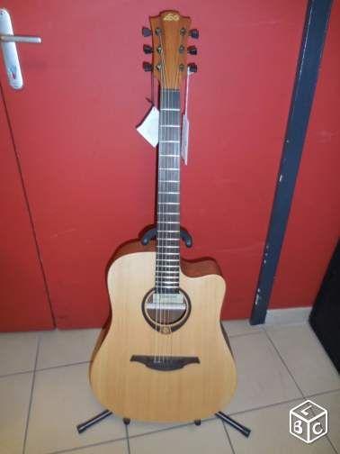 Guitare Folk LAG Tramontane T70DC à -35%