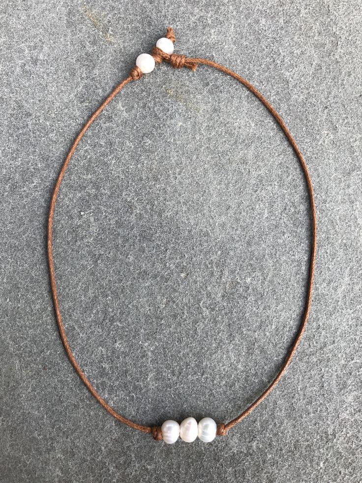 Three Pearl Chocker Necklace - Tan