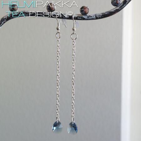 Swarovskin kristallipisarat ketjussa, deniminsininen