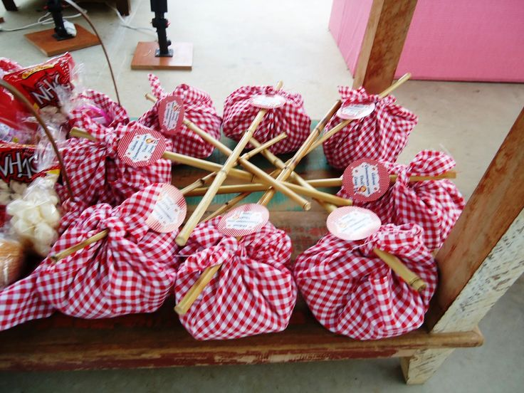 WELCOME BASKET. Super cute way to wrap items. great gift bag @ a camping party