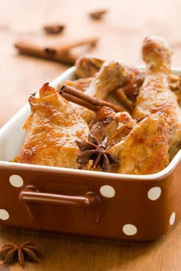 CHICKEN WITH CINNAMON AND APPLE JUICE