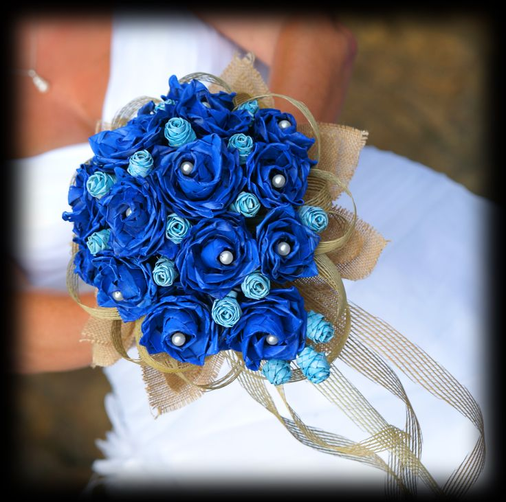 Cobalt blue and powder blue flax flowers with pearls, natural Hapene Flax and hessian.    Perfect bouquet for a bride with a beach themed wedding