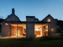 Houzz Tour: A Contemporary Retreat on a British Moor