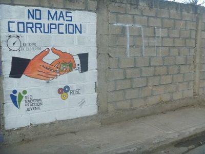 Jóvenes adornan paredes de sus barrios con ideas, valores patrios y crítica social | NOTICIAS AL TIEMPO