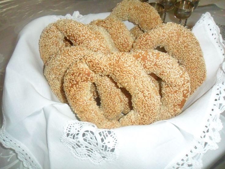 sesame bread rings