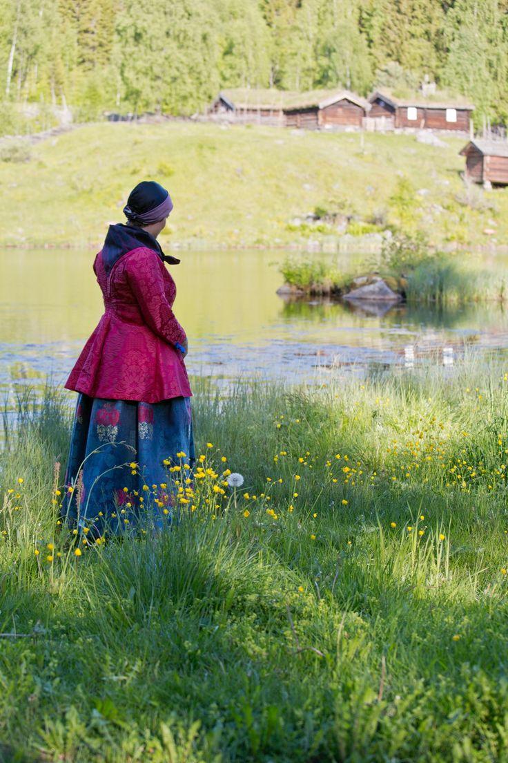 Rekonstruert folkedrakt fra Gudbrandsdalen. Foto: Heidi Fossnes, Magasinet BUNAD