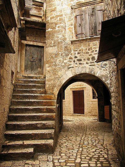 Trogir, Croatia. Trogir (Italian Traù, Latin Tragurium, Greek ...