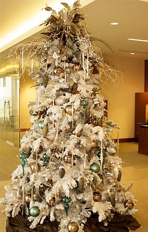 24 Best Images About Flocked Christmas Trees On Pinterest Trees Christmas Trees And Beautiful