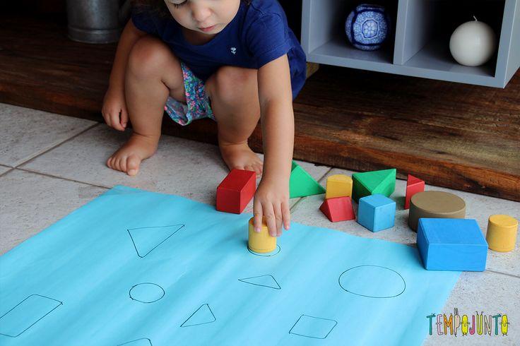 Dicas de brincadeiras para crianças de 2 anos. São ideias simples, criativas que você faz sem gastar dinheiro.