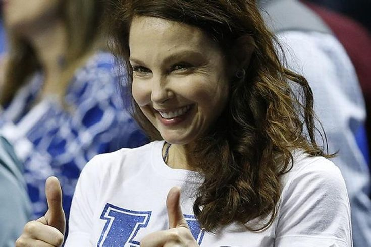 "Actress Ashley Judd wrote a lengthy Facebook post recounting an ""uncomfortable"" encounter with a Trump supporter at a NCAA basketball game over the weekend."