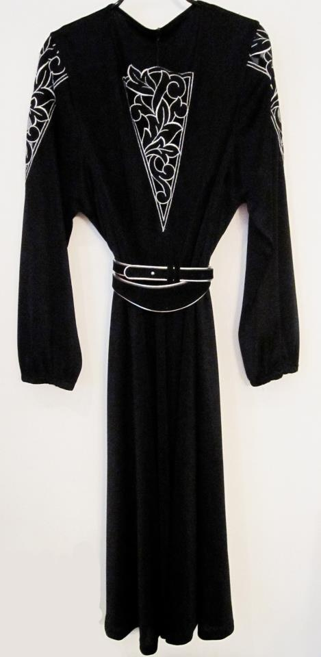 Vintage dress  100% polyester  size 40  Dkk 200,-  Available in Beware of Limbo Dancers