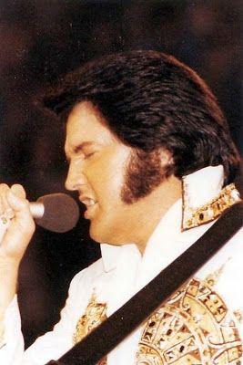 Elvis Presley zeldzame foto's - 120 Fotos | Nieuwsgierig, Grappige Foto's / De laatste show....lbxxx.