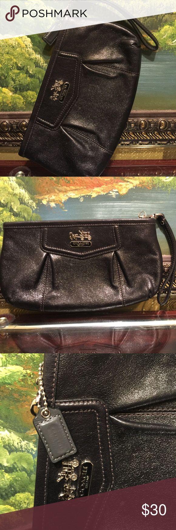 Beautiful Coach clutch purse Coach clutch purse black color Coach Bags Clutches & Wristlets