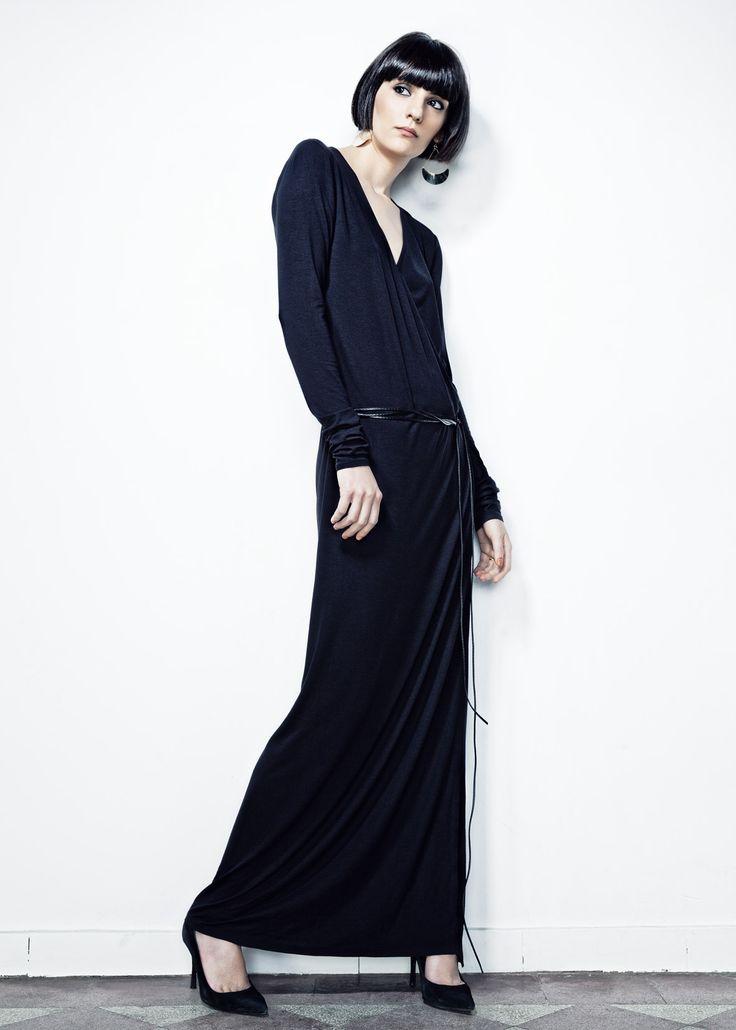 Black Robe Manteau Long Dress // Spring 13 Photo : Gabi Hirit