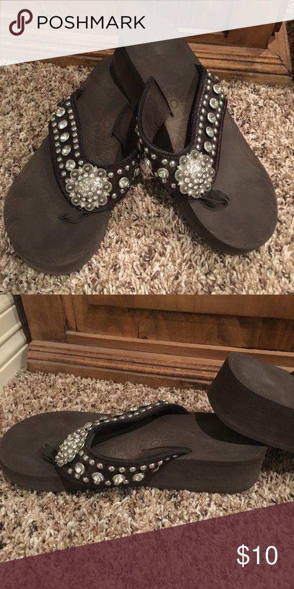 Brown flip flops Montana west crystal flip flops Good condition Montana West Shoes Flats & Loafers #flipflops