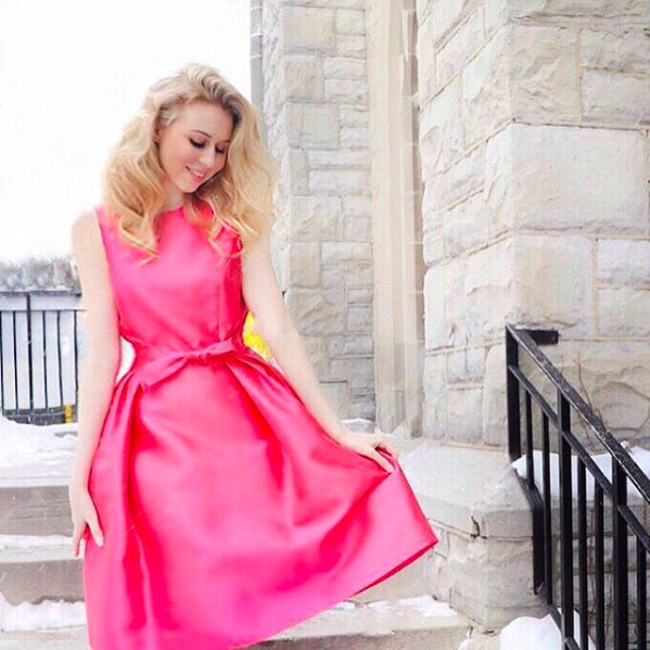 Milli Muse. Blogger Annie Robinson of Fashion and Beauty Inc. wearing Wanye Clark, available at Milli. #wayneclark #milli