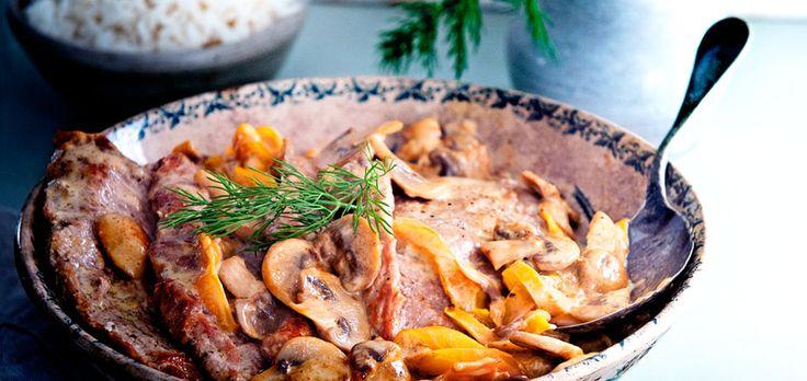 schnitzel met champignon-roomsaus