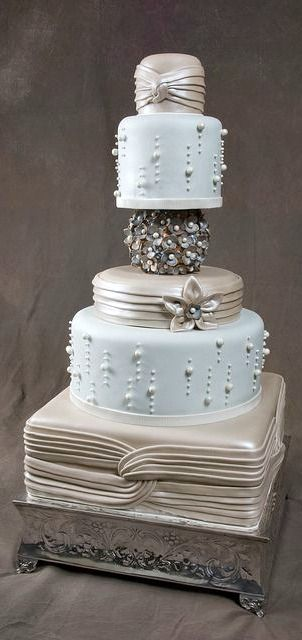 Metallic Romance Cake