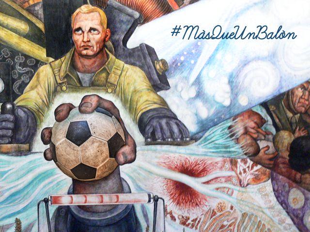 Haciendo tributo al muralismo mexicano, al trabajo y a la construcción de una mejor sociedad.  Y de paso ¿saben de quién es el mural al que hacemos referencia? #muralismo #trabajo #sociedad #MásQueUnBalón