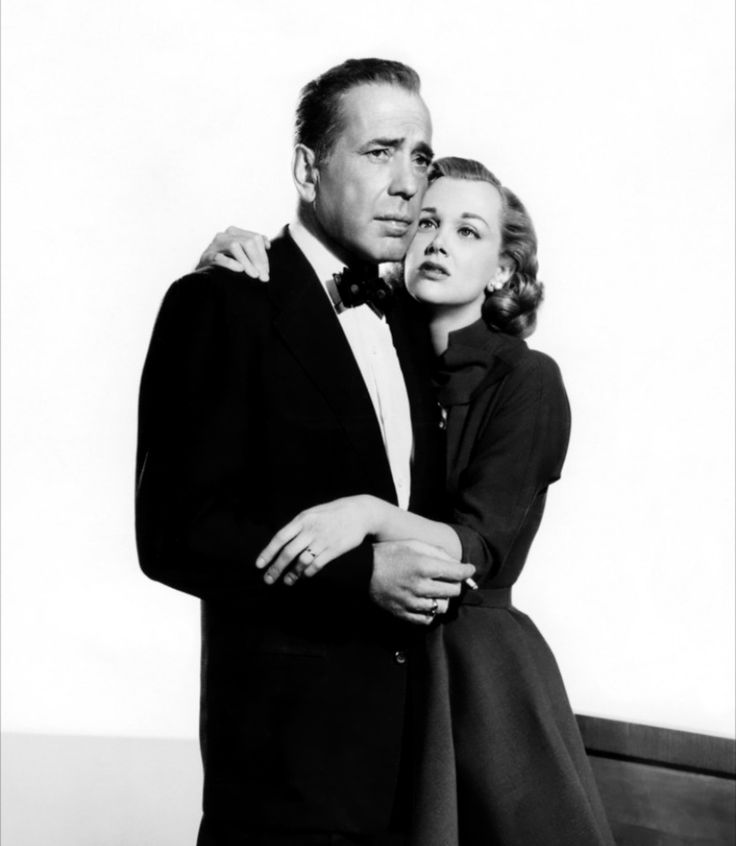 """Humphrey Bogart y Jan Sterling en """"Más dura será la caída"""", 1956"""