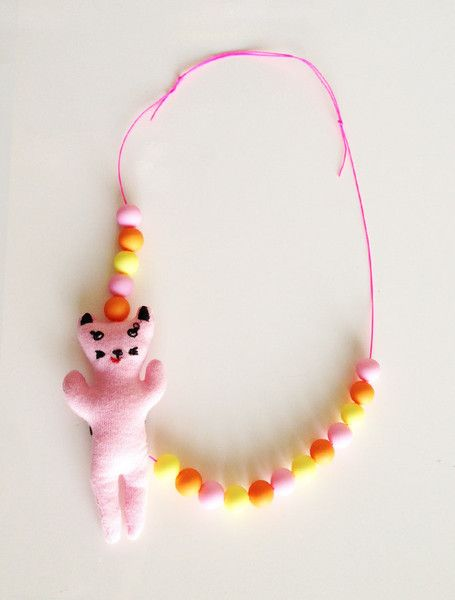 the | beaded kitty | necklace